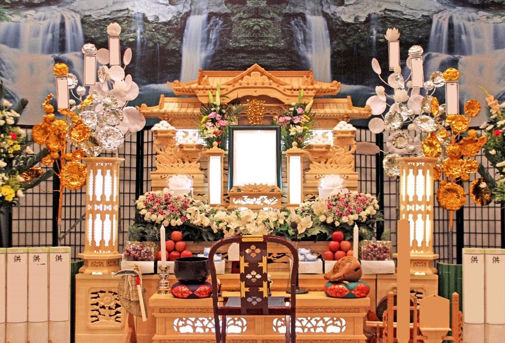 白木 祭壇